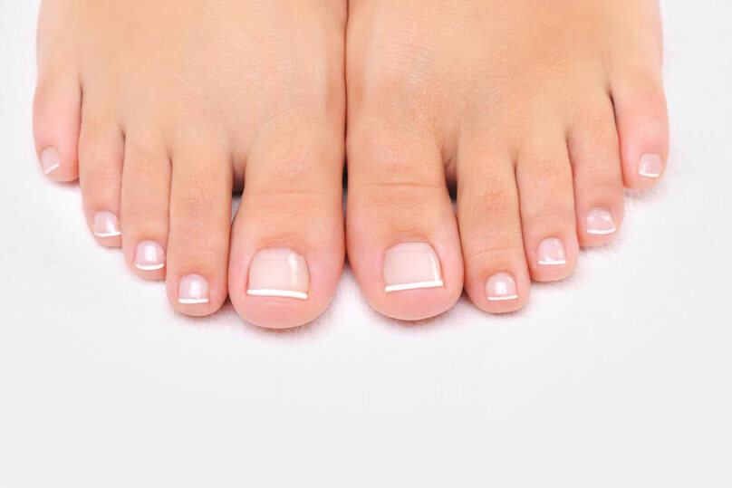 Beauty-professionals-pedicure-gallery-french-pedicure-2